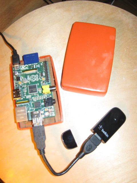 picture of my raspi connected to the wlan device